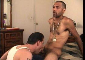 Straight Boy Enrique Gets Head