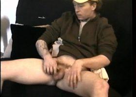 Servicing Straight Boy Johnny