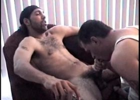 Straight Boy Enrique Gets Sucked