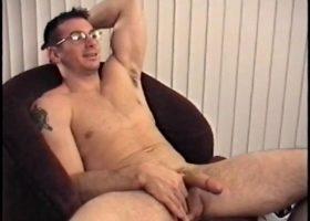 Straight Gianni Gets A Handjob