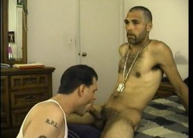 Straight Boy Enrique Gets Head