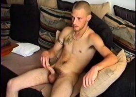 Straight Boy Buzz Gets Sucked